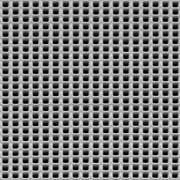REM photo: close-up view of the top surface of the element